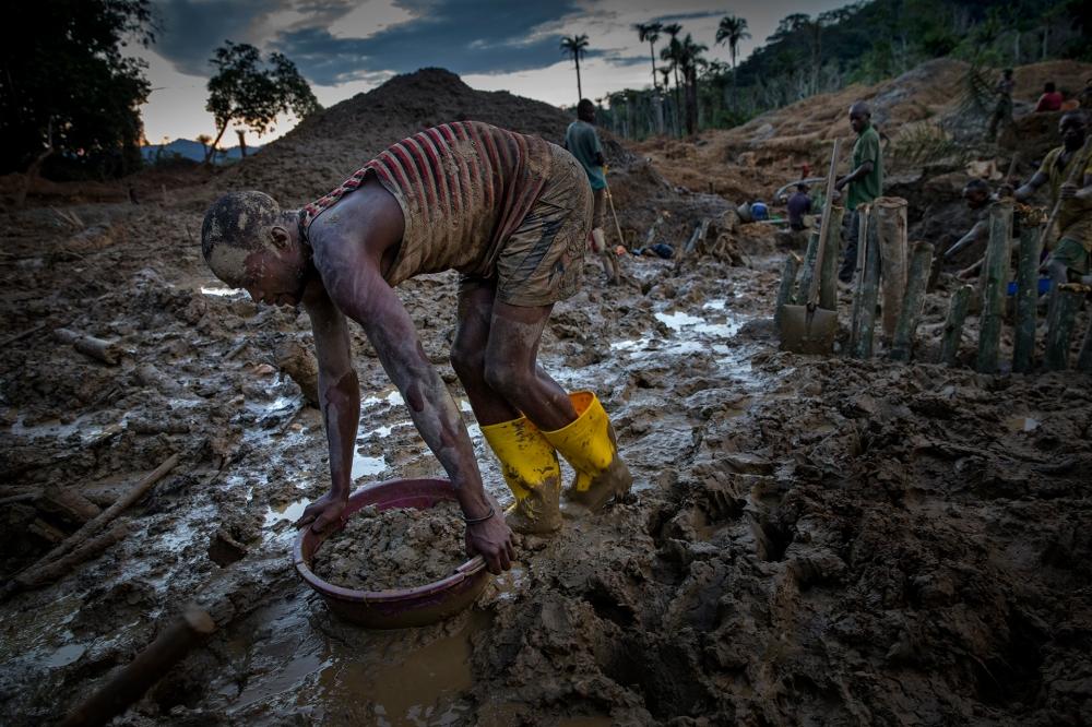 Gullgravere, Kongo. © Johnny Haglund