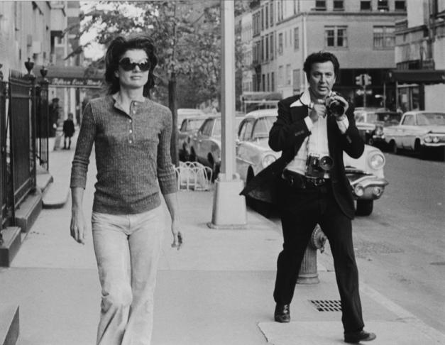 Jacqueline Kennedy Onassis og Ron Galella